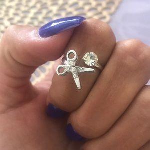 Scissor ring